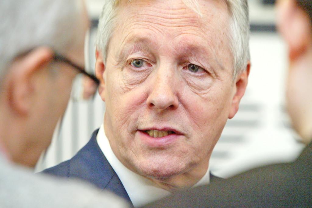 DUP leader Peter Robinson says he'll lead his party back into full government if the report says the IRA didn't sanction the murder of Kevin McGuigan