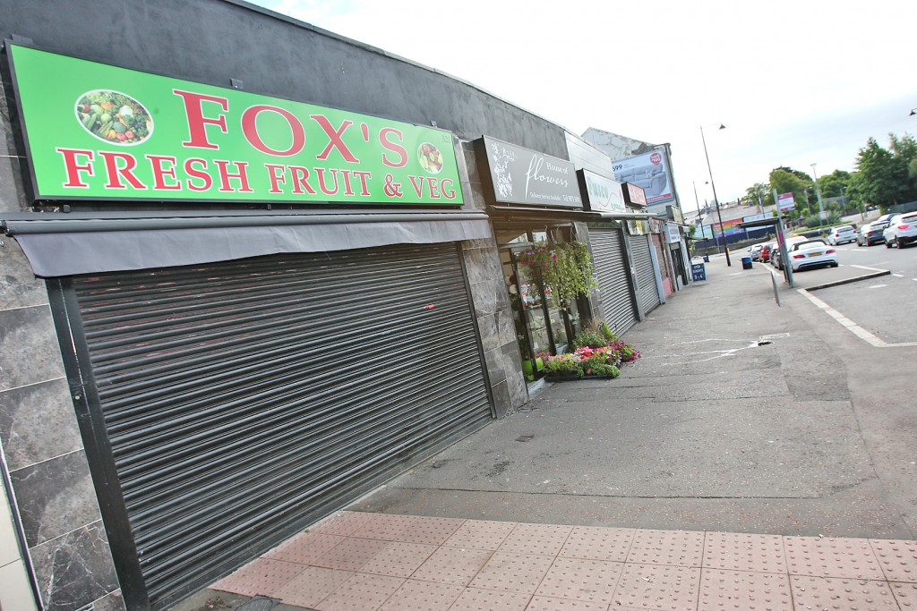 Fox's Fresh Fruit and Veg shop in Ardoyne. 1277mj16