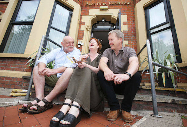 Art Hughes, Cumann Cultúrtha Mhic Reachtain, Bláthnaid Ní Chofaigh and Fionntan de Brún