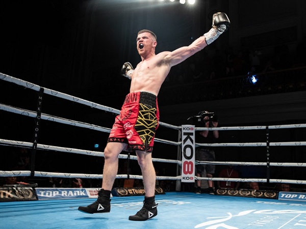 Paddy Gallagher is predicting an explosive fight against Chris Jenkins in Saturday's chief support